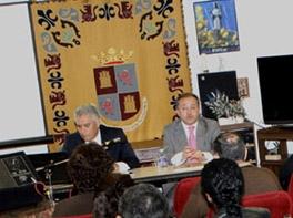 Iuminado Largo y Félix Colsa durante la presentación del Plan de Apoyo a la Ciudadanía en el Exterior.