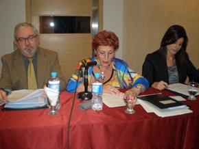 El cónsul Rafael Tormo, la presidenta del CRE, Mª Teresa Michelón, y la cónsul adjunta Silvia Cosano.