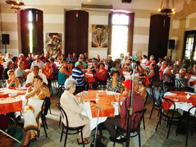 Vista parcial de los participantes en el encuentro.