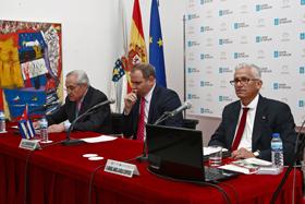 José Ramón Ónega, Eugenio Martínez y Miguel Ángel Alvelo en la presentación.
