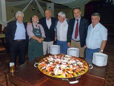 Directivos de la enidad con el embajador Varela, segundo por la derecha, y el cónsul Fairén, tercero por la izquierda.