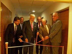 Adrián Romero, Estanislao de Grandes y Antonio Reus en la inauguración de la nueva sede del Consulado General.