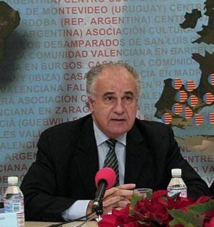 Rafael Blasco durante la celebración de un Consejo de Centros Valencianos en el Exterior.