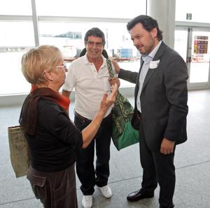 Rodríguez Miranda, derecha, recibió a los beneficarios de 'Reencontros na Casa' 2015.
