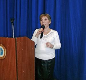 La presidenta de la Sociedad Casina, Pilar Simón, agradeció a las nuevas generaciones de asturianos por mantener vivas las tradiciones de sus mayores.