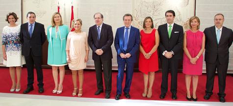 El nuevo Gobierno de Castilla y León al completo, tras la toma de posesión de los consejeros.