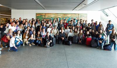 Rodríguez Miranda y Cecilia Vázquez, en el centro, con los participantes.