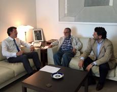 Núñez Feijóo, Francisco Lores y Rodríguez Miranda durante la reunión.