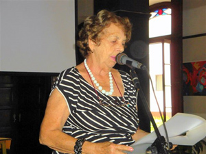 Intervención de la presidenta de la FAAC, María A. Marcos Alonso.