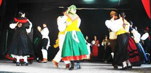 Un momento de su presentación en la Sociedad Rosalía de Castro.