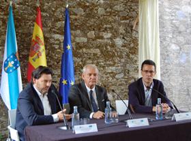 Rodríguez Miranda, Roberto Ogando y Eduardo Rey en la inauguración del curso.