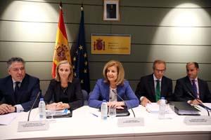 La ministra Fátima Báñez y Marina del Corral, secretaria general de Inmigración y Emigración, presidieron la Comisión Sectorial de Inmigración.