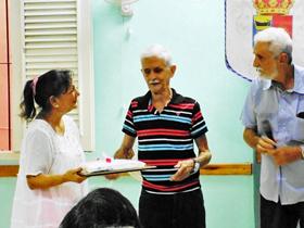 Ángel Petisco Montes recibió el Diploma del Veterano.