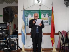 El presidente de la entidad, Agustín Requena, dirigiéndose al público.