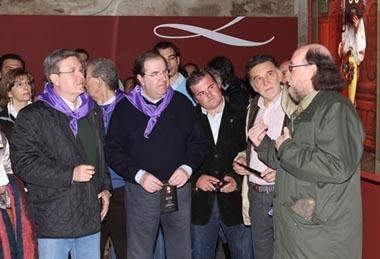 Herrera (centro) en la muestra 'Ritos y costumbres de Castilla y León'.