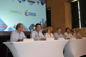El ministro José Manuel Soria en uno de los encuentros empresariales en Colombia.