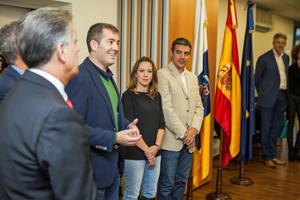 Fernando Clavijo, segundo por la izquierda, en el encuentro celebrado en Bruselas.