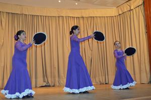 Las mas pequeñas del cuerpo de baile del Centro Pontevedrés.