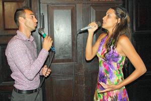 Actuación de Junior Luis y Marla Pileta.