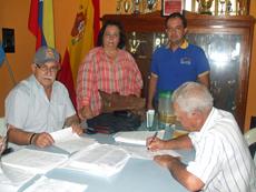 José Junquera, Teresa Rodríguez y Carlos Ortega atendieron las visitas.