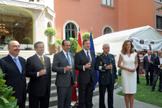 El embajador, Luis Fernández-Cid (tercero dcha.) junto a las autoridades mexicanas.