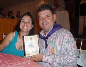 Antonio Montuenga recibió el galardón 'Huella Aragonesa'.