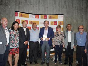 El embajador de España en Venezuela, en el centro, junto a los autores del libro Humanistas españoles en Venezuela, presentado en el Centro Cultural de Chacao.