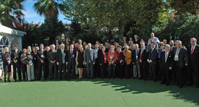 Foto de familia de los miembros del Consejo General de la Ciudadanía Española en el Exterior reunidos en Madrid.
