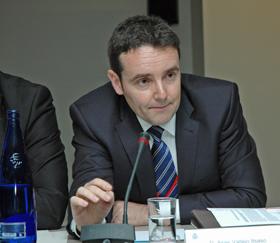 Asier Vallejo explicó ante el CGCEE las prioridades de su departamento.
