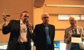 Carlos Ameijeiras con el premio a Mejor Chiriguito Cultural del 'Buenos Aires celebra Galicia'.