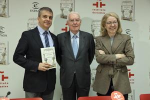Francisco Moreno Fernández, Víctor García de la Concha y Ana Rosa Semprún en la presentación del libro, celebrada en la sede central del Instituto Cervantes.