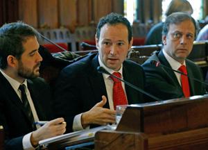 Guillermo Martínez explicó los presupuestos de su departamento para 2016 ante la Junta General del Principado.