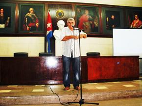 Felipe Cida habló en nombre de las sociedades gallegas.
