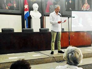 Juan Constenla Carbón leyó un mensaje enviado por el secretario xeral de Política Lingüística de la Xunta de Galicia, Valentín García Gómez.