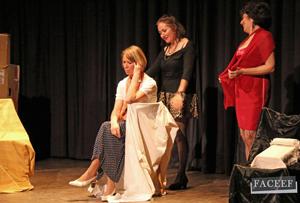 Representación de la obra 'Maribel y la extraña familia'.