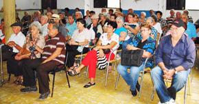 Más de un centenar de integrantes de la Sociedad Gallega de Matanzas participaron en la actividad por el fin de año.