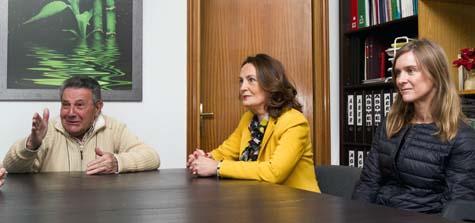La directora general de Asuntos Europeos y Cooperación con el Estado, Yolanda Ibarrola, recibió a Ángel Llorente de la Mata, de Apoyar Madrid.