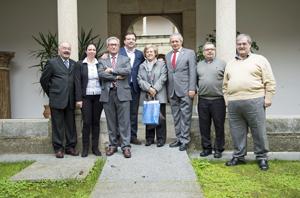 Guillermo Fernández Vara con los representantes de las federaciones de asociaciones de extremeños en el exterior.