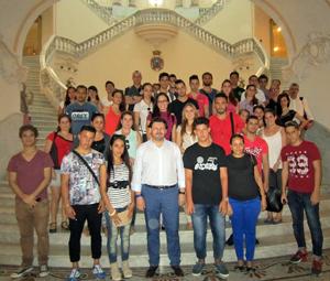 Rodríguez Miranda con los jóvenes gallegos en La Habana.