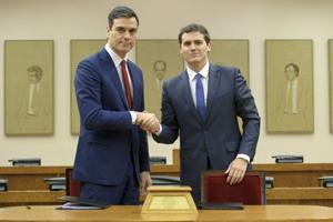 Pedro Sánchez y Albert Rivera firmaron el acuerdo el miércoles 24 de febrero.