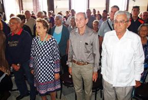 Presidencia de la actividad por el Día de Andalucía. A la derecha Manuel J. Vallejo.