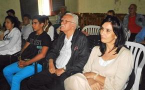 Manuel Álvarez y Natasha Vázquez durante la proyección del documental.