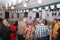El alcalde Belloch visita las casetas en la Feria de 2009.