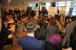 Hasta 1.500 personas acudieron al Foro de Empleo.