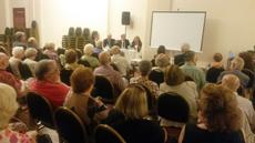 Una gran cantidad de público copó el salón de actos del Centro Burgalés.