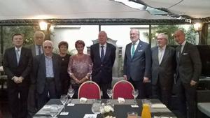 García-Margallo con representantes de la colectividad española y autoridades diplomáticas en Buenos Aires.