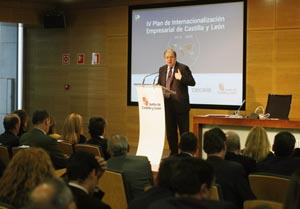 El presidente de la Junta de Castilla y León, Juan Vicente Herrera, en la presentación del IV Plan de Internacionalización Empresarial 2016-2020.