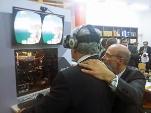 El secretario general de la Consejería de Empleo participó de una demostración de realidad virtual.