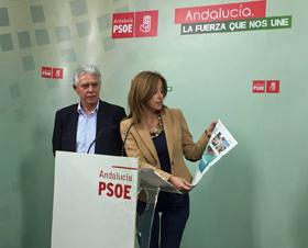 Francisco Menacho y Eva Foncubierta presentaron la iniciativa del PSOE andaluz.