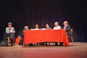 La mesa redonda sobre la lengua como vínculo de unión entre migrantes hispanohablantes.